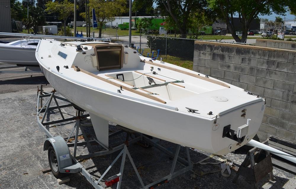 Used Sailboats For Sale >> 1984 J 22 Sailboat For Sale Masthead Sailing Gear